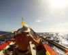 イギリス人冒険家の偉業、手こぎボートで太平洋横断209日間の壮絶旅!!