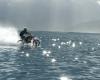 バイクでサーフィン?ロビー・マディソンによる水上ショーがあり得ない!